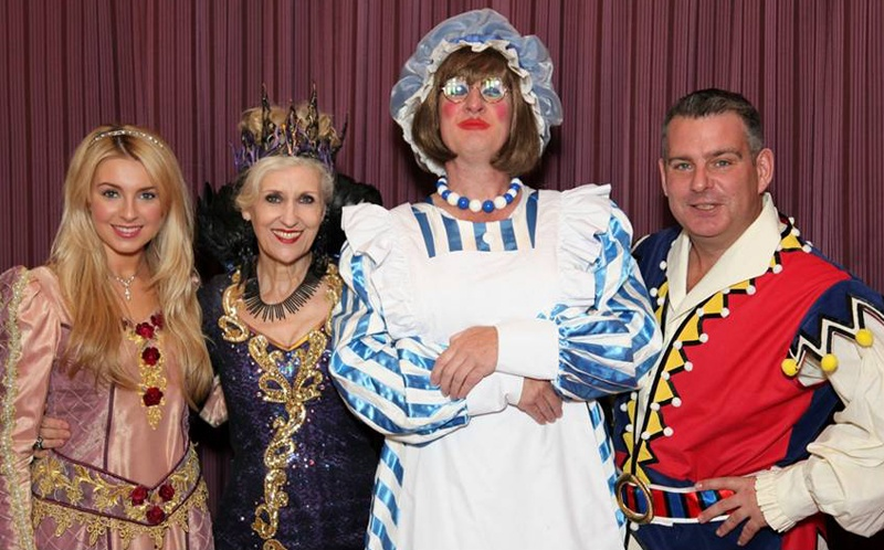 Anita Dobson, Andy Collins & Holly Brewer in Aylesbury Panto Sleeping Beauty