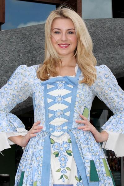 Holly Brewer in Cinderella, Aylesbury - ATG Tickets
