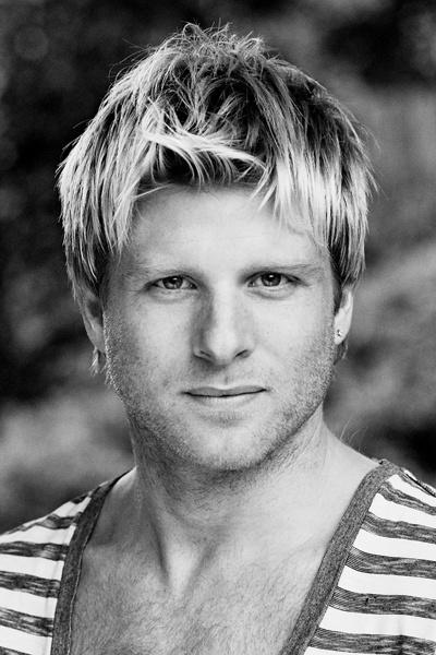 Andrew Derbyshire in Cinderella, Aylesbury - ATG Tickets
