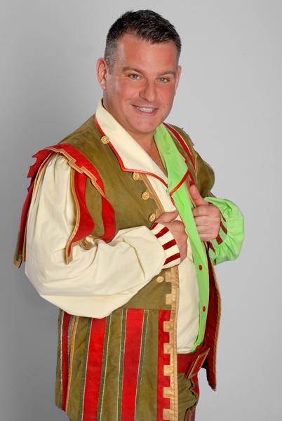 Andy Collins in Cinderella, Aylesbury - ATG Tickets
