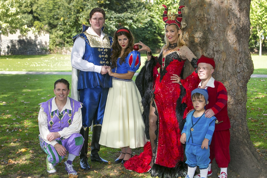 Snow White Richmond Theatre cast  - ATG Blog