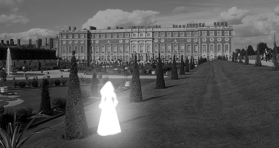 Hampton Court Palace - Ghosts of London - ATG Tickets